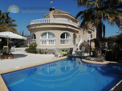 Ref: 613  3 Bedroom villa with private pool